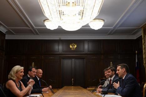 Marine le Pen és Louis Aliot az Állami Duma elnökével, Szergej Nariskinnel, 2013 júniusa; Médiapart,  © dr