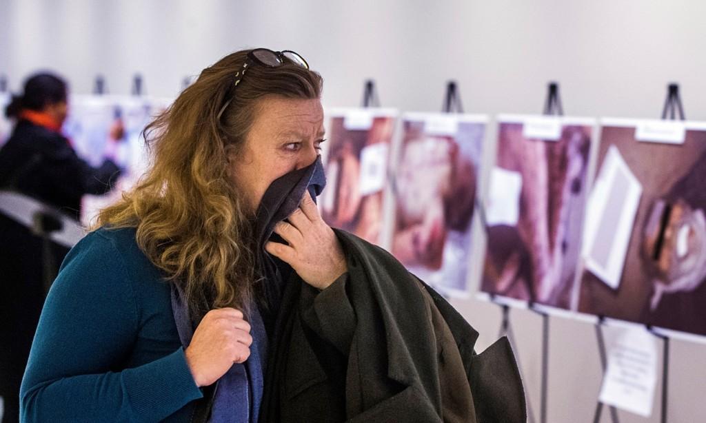 A holttestekről készített fotók kiállítva az ENSZ New York-i székházában. Fotó: Lucas Jackson/Reuters