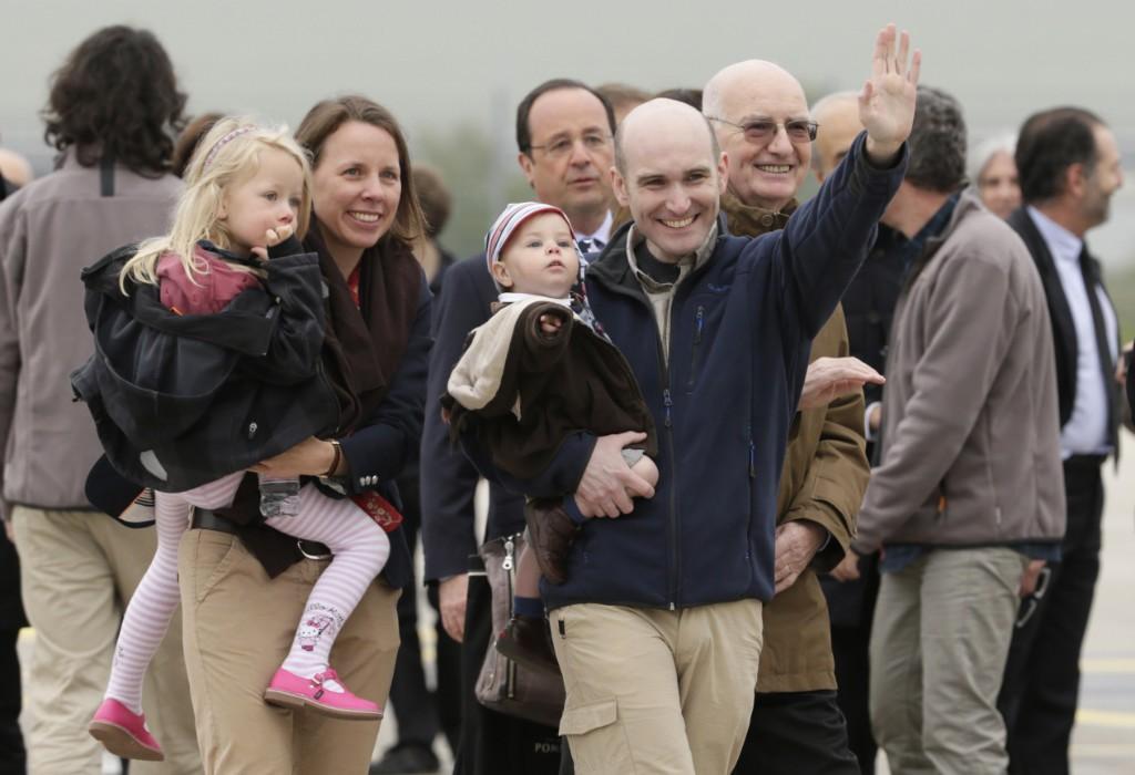 Nicolas Hénin szabadulása után 20014 áprilisában, Fotó: AFP/Philippe Voyazer