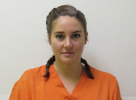 Shailene Woodley letartóztatása után; Fotó: Courtesy Morton County Sheriff's Department/Handout / Reuters; Forrás: Le Monde