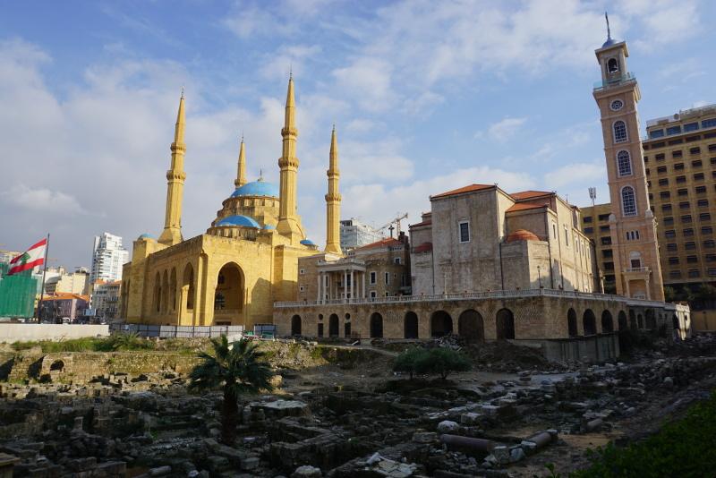 Jellegzetes hangulat Bejrút belvárosában: ókori romok, a Mohammed Al-Amin mecset és a Saint-Georges maronita katedrális. A képen nem látszik, de a közelben van egy 18. századi görög ortodox katedrális is. Fotó: Sipos Zoltán