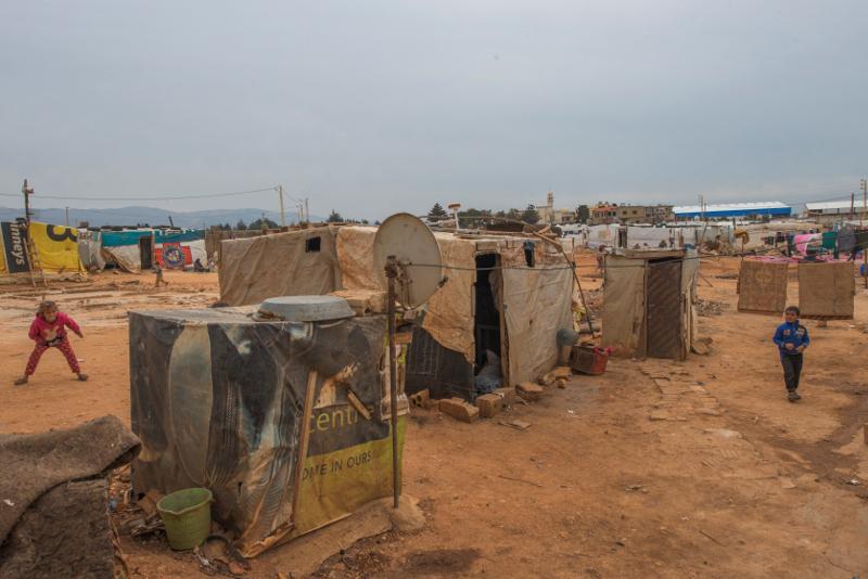 Szétszórt sátrak valahol a Bekaa völgyében. ©EU/ECHO/PeterBiro