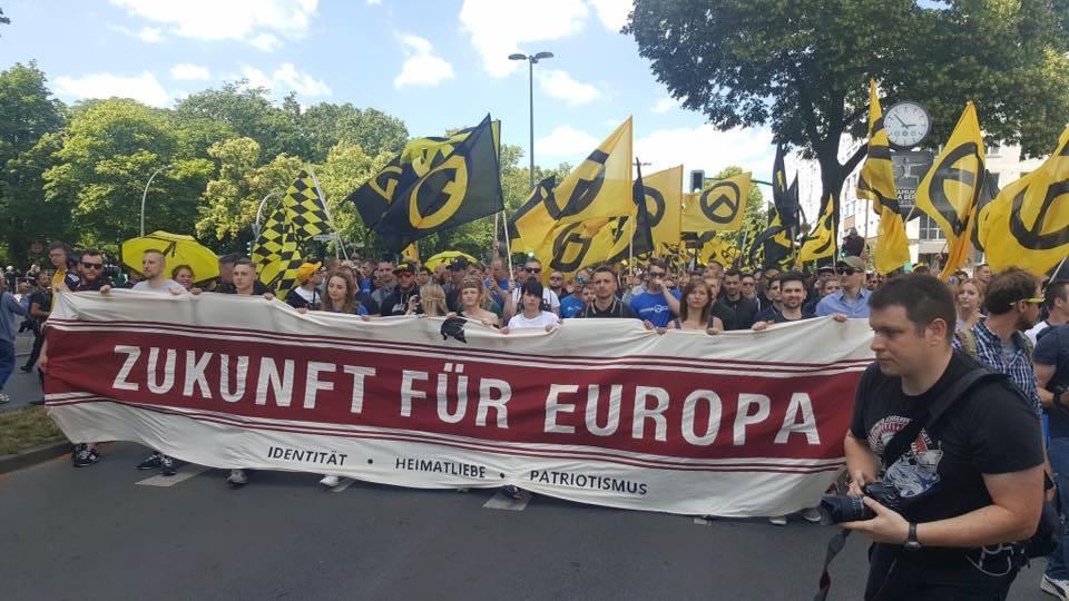 Kb. ezren vettek részt a német identitáriusok berlini tüntetésén június 17-én, infó és kép forrása: Facebook, GI