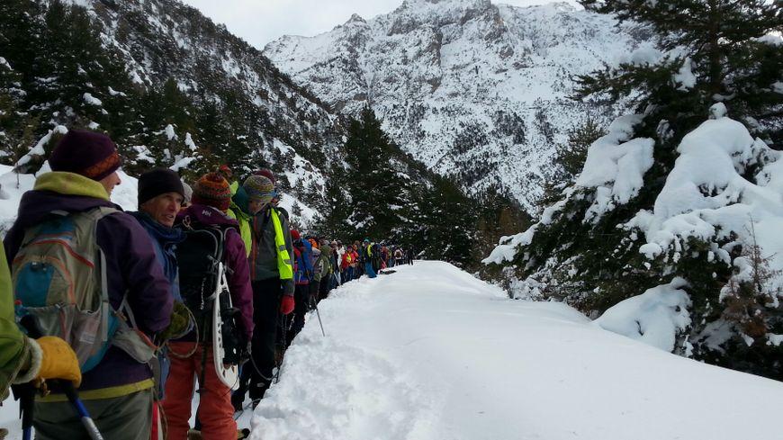 """130 profi hegymászó segítségével készült a """"szolidáris lánc"""""""