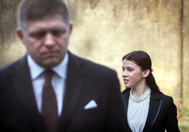 Robert Fico szlovák miniszterelnök és asszisztense, Mária Trošková. Fotó: Denník N – Tomáš Benedikovič