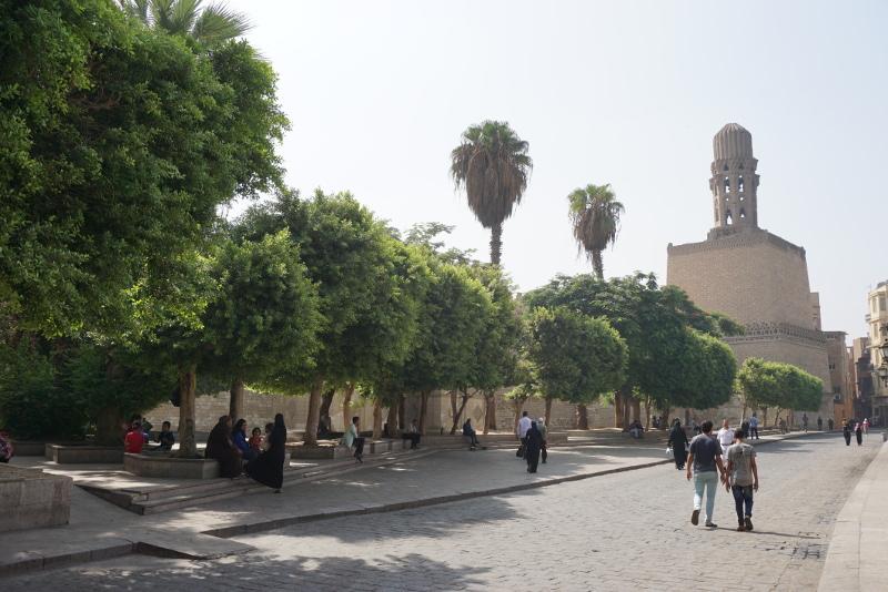 Egyike azon kevés kairói köztérnek, amely parkra emlékeztet, és ahol sétálni lehet. Fotó: Sipos Zoltán