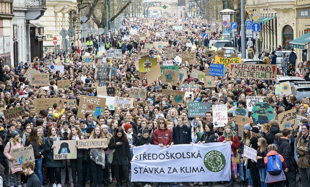 Környezetvédelmi diáktüntetés Prágában. Fotó: Petr Vrabec / Fridaysforfuture.cz