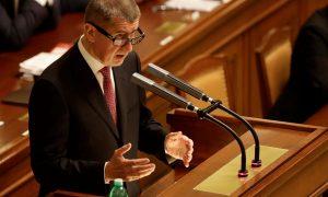 A vezető képen Andrej Babiš cseh miniszterelnököt látják a cseh parlament alsóházában 2019 május 31-én pénteken az Európai Bizottság jogi szolgálatának jelentéséről szóló vitában. Fotó: rozhlas.cz