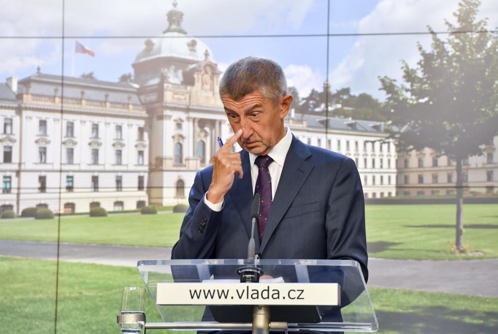 A vezető képünkön Andrej Babiš cseh miniszterelnököt látják sajtótájékoztató közben. Fotó: Vít Šimánek, ČTK. Irozhlas.cz